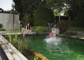 Großer Badespaß für Groß und Klein im chlorfreiem Wasser in Rheda-Wiedenbrück