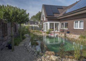Badetraum in einem kleinen Garten in Oelde
