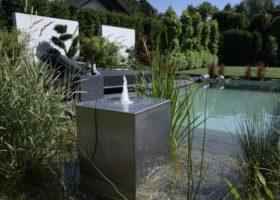 edeles Wasserspiel in hochwertiger Optik im Pool