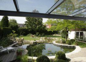 Gestaltung mit Teich in organischer Form