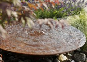 Wasserschale aus Cortenstahl