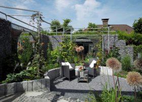 kleiner Garten mit lauschigem Sitzplatz, nachher