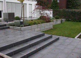 Wegegestaltung aus Granit