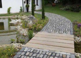 Gartenweg über Bachlauf in Ahlen