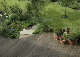 harmonische Gartenplanung mit geschwungenden Linien