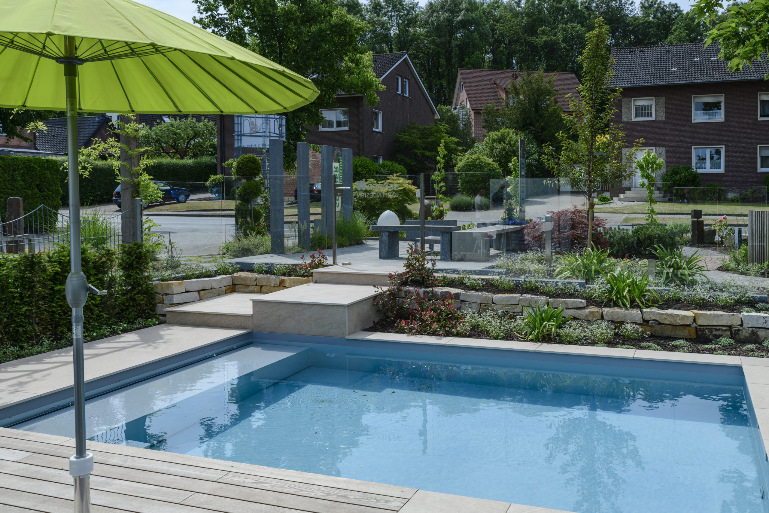 Pool trifft Gartendesign